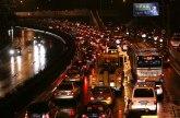Pljusak doveo do kolapsa na ulicama Beograda, meteorolozi najavljuju nevreme