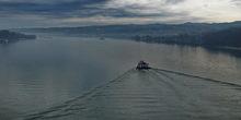 Plovili Neretvom sa natpisom Za dom spremni