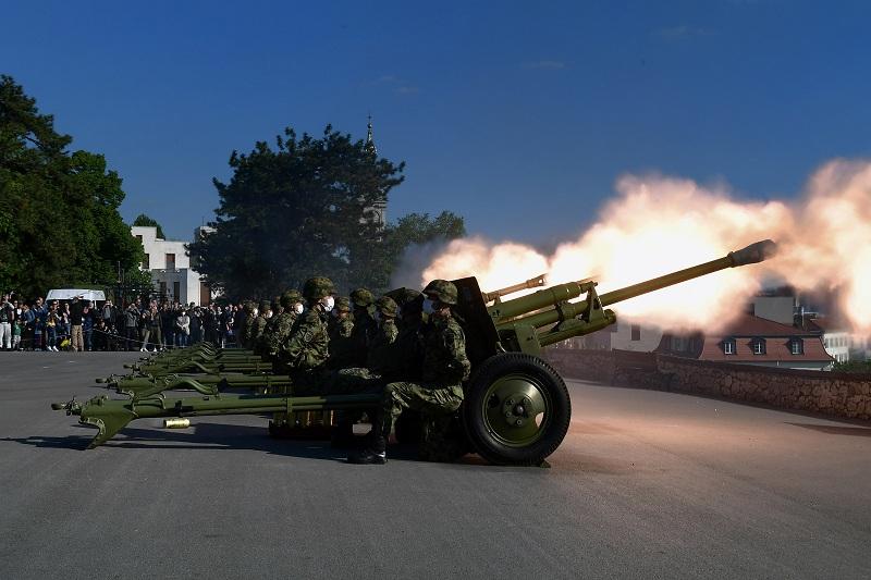 Počasna artiljerijska paljba povodom Dana pobede