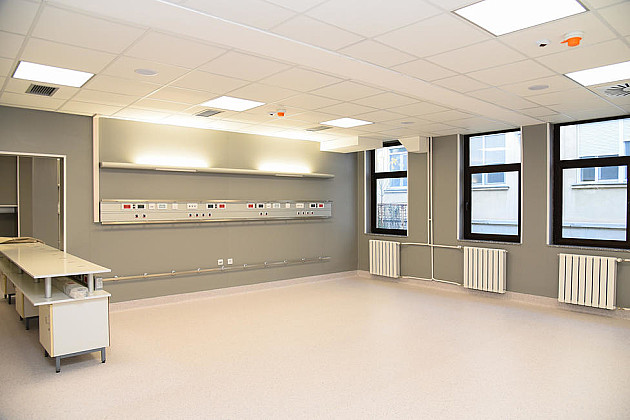 Počela rekonstrukcija više klinika u okviru KCV