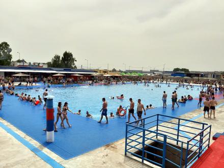 Počela sezona na Jumkovom bazenu, prvog dana - prepuno