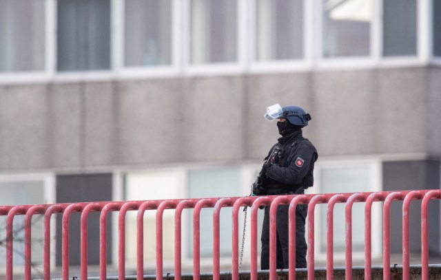 Počelo je: Prva saslušanja članova kavačkog klana - jake policijske snage ispred Tužilaštva VIDEO
