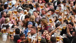 Počeo 186. festival piva Oktobarfest (FOTO)