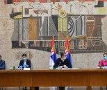 Počeo sastanak kriznih štabova, čeka se obraćanje Vučića FOTO