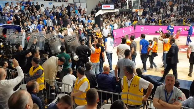 Podgoričke Vijesti: Sin ministra policije pljuvao košarkaše Zvezde