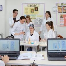 Podrška Kreativnog pera lekarima i njihovim porodicama