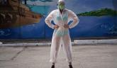 Podrška medicinskoj sestri u bikiniju: Građani samo u donjem vešu i providnom odelu FOTO