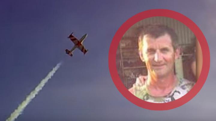 Pogledajte kako je ubijeni Amidža PLAŠIO NOVOSAĐANE AKROBACIJAMA U VAZDUHU: Svojim avionom leteo tik uz krovove, a pojavio se i snimak BAHATE VOŽNJE GUSENIČARA (VIDEO)