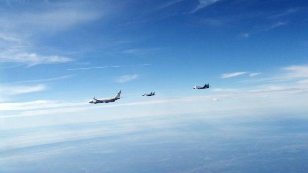 Pogledajte kako su srpski migovi dočekali avion Sergeja Šojgua