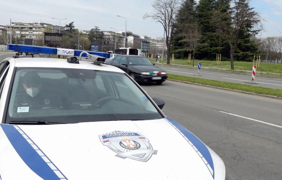 Policajac na zadatku preminuo od srčanog udara, automobil završio u jarku