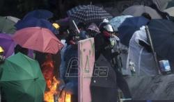 Policajac ranjen u nogu strelom tokom demonstracija u Hongkongu