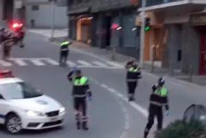 Policajci u Andori plesali uz dečju pesmicu za decu u karantinu