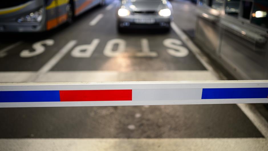 Policajci u Sloveniji stupaju u beli štrajk