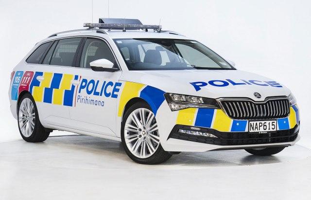 Škodu će voziti i policija Novog Zelanda, naručili 2.000 automobila FOTO