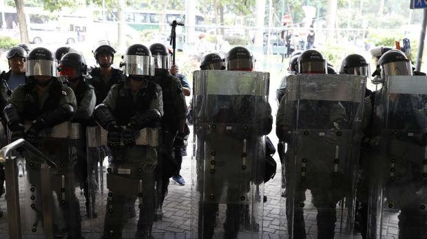 Policija čuva aerodrom u Hongkongu