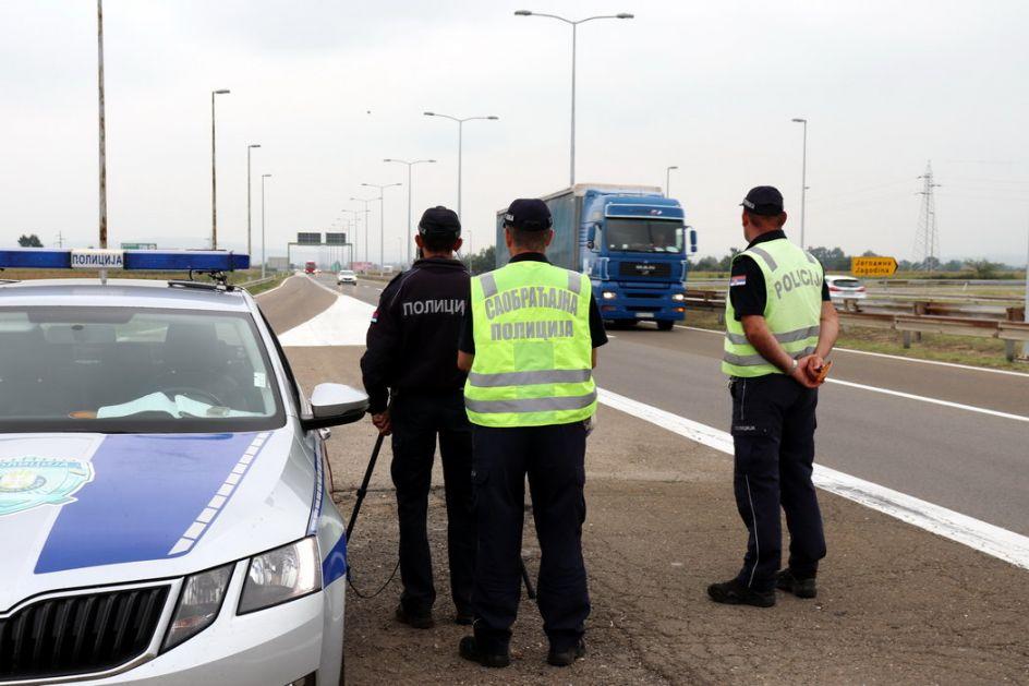 Policija od ponedeljka pojačala kontrolu saobraćaja
