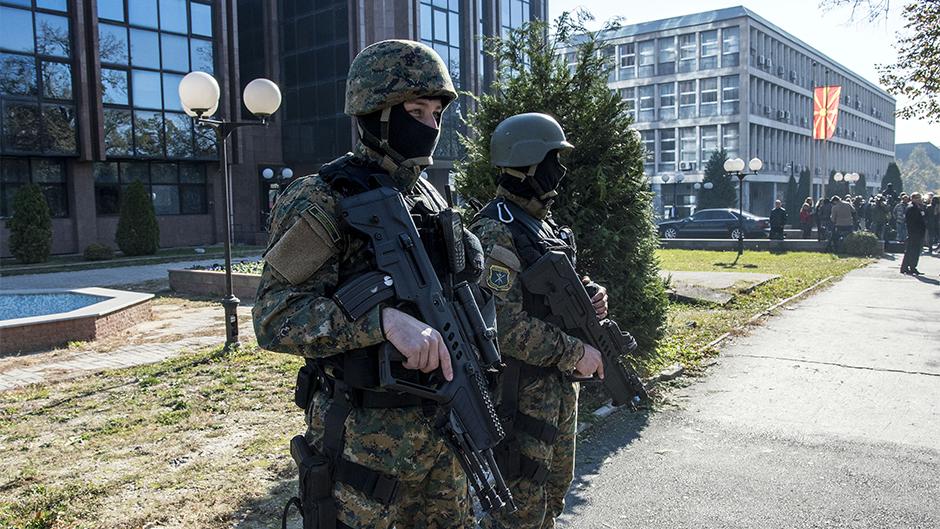 Policija pretresa prostorije najbogatijeg Makedonca
