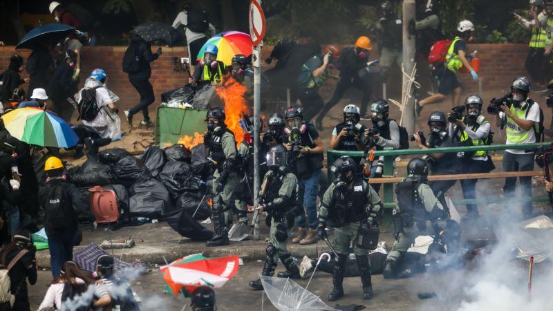 Policija u Hong Kongu prijeti upotrebom pravih metaka
