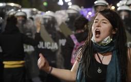 Policija u Varšavi suzavcem rasterala proteste protiv zabrane abortusa