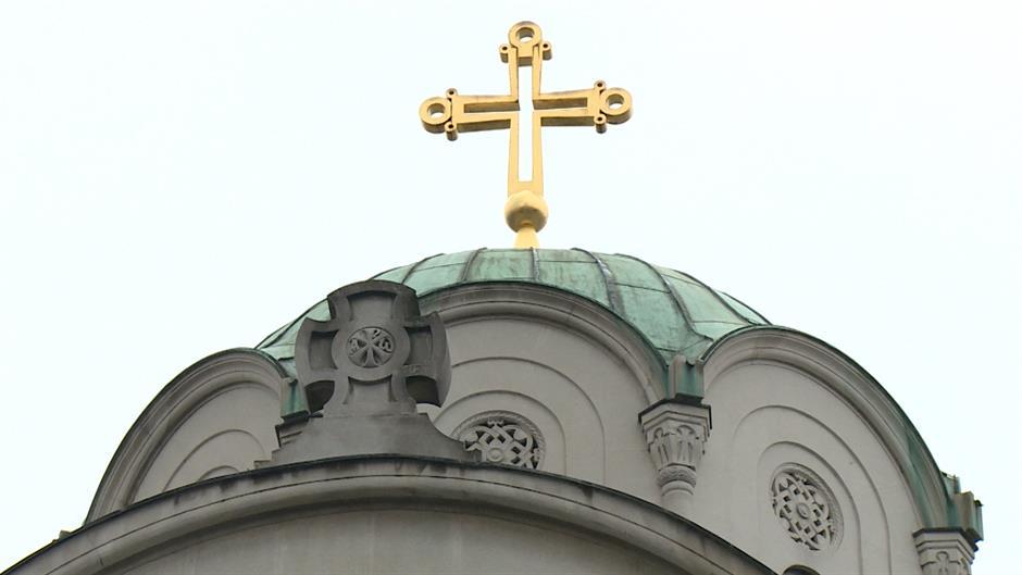 Politika: Sinod nije raspravljao o Kosovu i vanrednom saboru