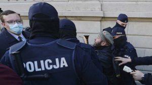Poljaci protestovali u crkvama zbog zabrane abortusa