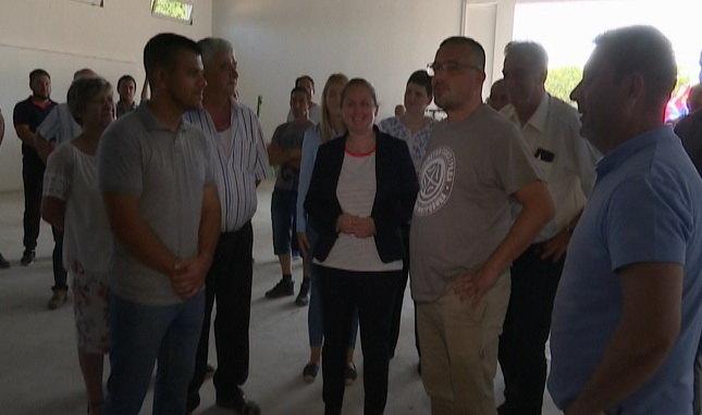 Poljoprivrednici iz Apatina i  Deronja redovni korisnici subvencija Ministarstva