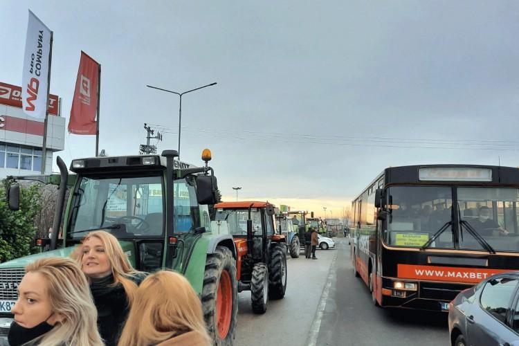 Poljoprivrednici iz BiH najavili blokadu carinskih prelaza