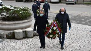 Položeni venci na spomenik Sloboda povodom godišnjice bombardovanja