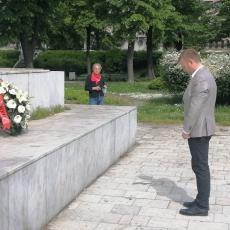 Položeni venci na spomenik oslobodiocima Zemuna