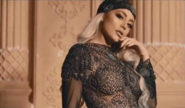 Polugola albanska pevačica snimila spot u srpskom hramu: Oskrnavljena svetinja na KiM VIDEO