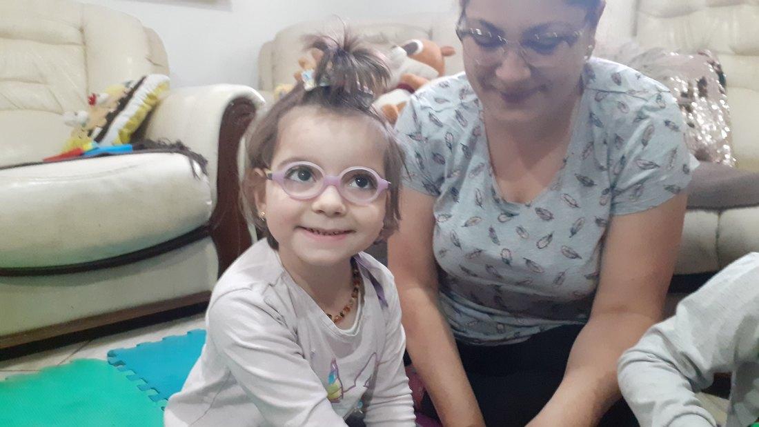 Pomozimo četvorogodišnjoj Jovani da samostalno napravi prve korake u životu