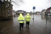 Poplava paralisala London; zatvoreno 8 metro stanica, reke vode teku ulicama VIDEO