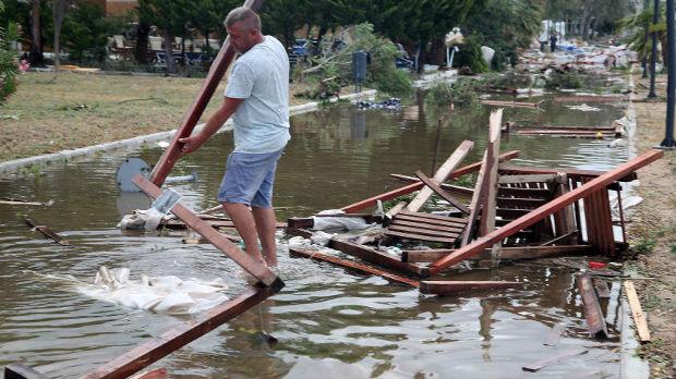 Poplave na zapadu Grčke, evakuisane desetine građana