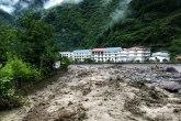 Poplave u Kini odnele više od deset života, stotine hiljada raseljeno