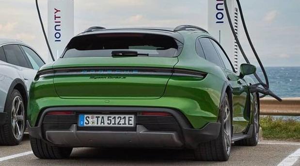 Porsche ulaže u proizvodnju baterija
