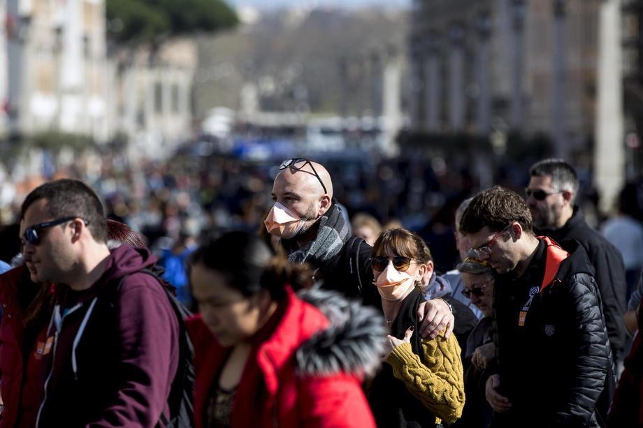 Poruka iz Rima: Ne širiti paniku i dezinformacije oko virusa