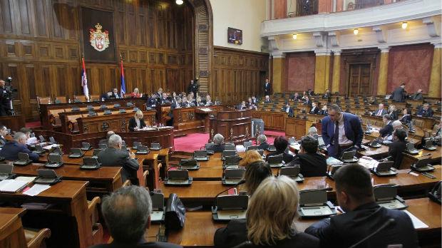 Poslanici o penzionerima, manjinama i Dačiću