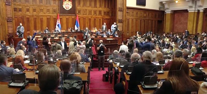 Poslanici većine pozdravili Vučićeve poruke posle Saveta, Glišić: Lajčaka proglasiti za personu non grata