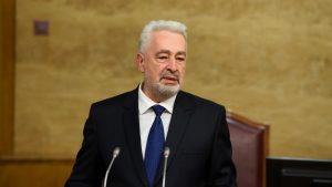 Poslanik DF-a Milan Knežević tvrdi da premijer Crne Gore osniva stranku
