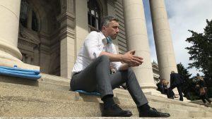 Poslanik Dveri se pridružio Obradoviću u štrajku glađu