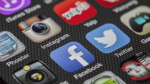 Posledice Trampove uredbe po Tviter i Fejsbuk