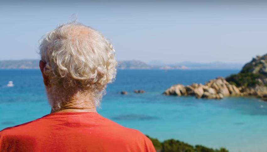 Poslednji 'Robinzon' 31 godinu živi sam na rajskom ostrvu i ima čudesnu priču (VIDEO)