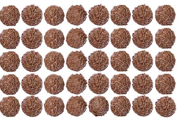 Posne, čokoladne loptice sa lešnikom i višnjama!