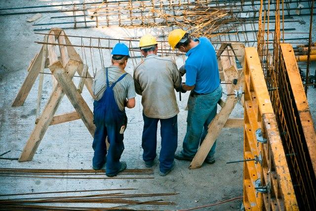 Postavljen kamelj temeljac fabrike u Svilajncu: 130 novih radnih mesta