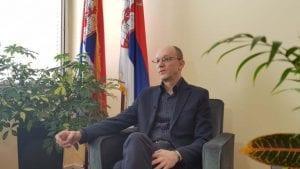 Potpredsednik Dveri pozvao Trivana da podnese ostavku posle izlivanja mazuta u Moravicu