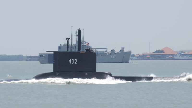 Potraga za indonezijskom podmornicom i 53 člana posade