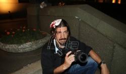 Povredjeni fotoreporteri Bete,  Miloš MIškov zadržan u Urgentnom centru