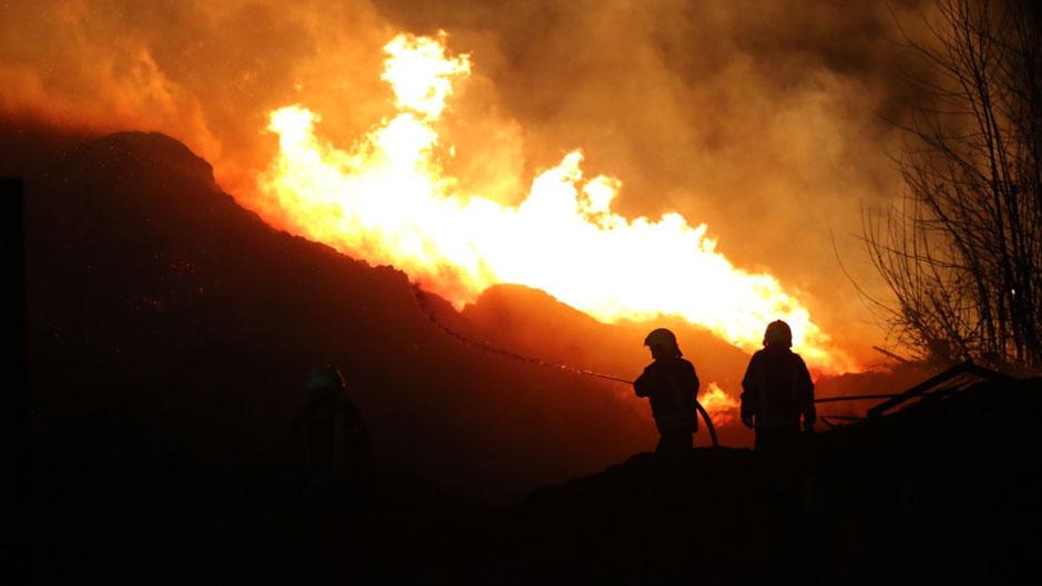 Lokalizovan požar kod manastira Đurđevi Stupovi (VIDEO)