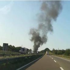 Požar na autoputu Miloš Veliki: Zapalio se kamion u blizini Ljiga