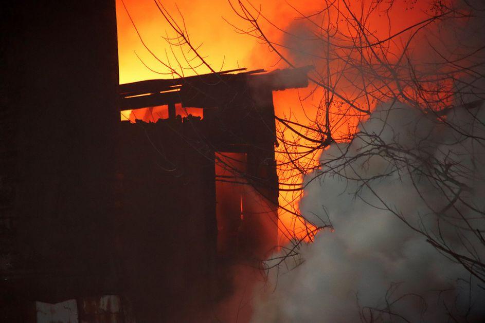 Požar u Vranju: Gori kuća u naselju Raška
